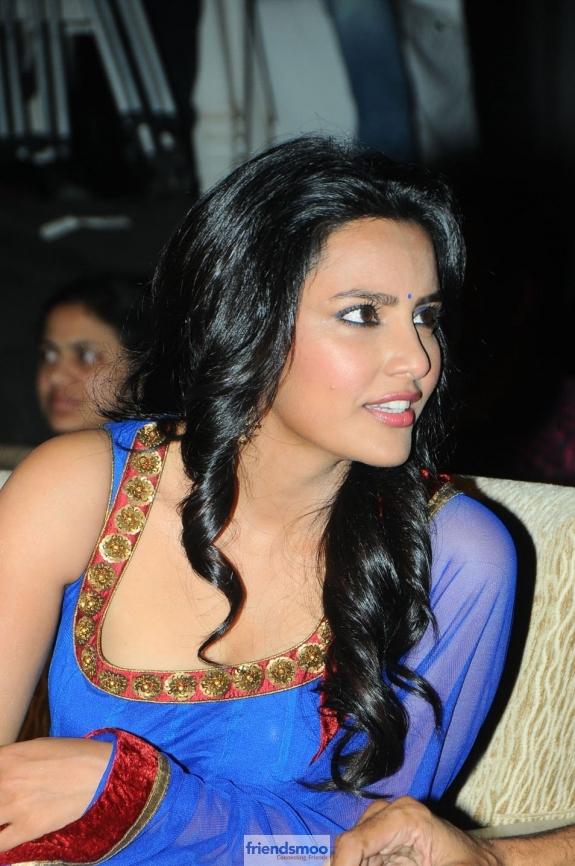 Priya Anand Friendsmoo (1)