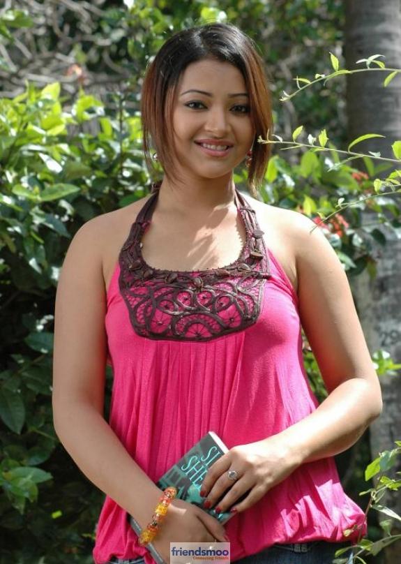 Swetha Basu Prasad Friendsmoo (3)