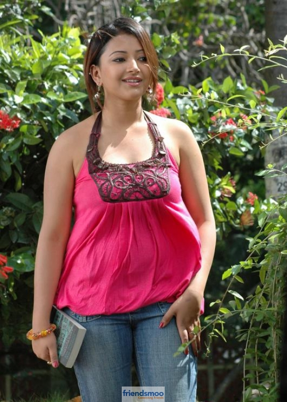 Swetha Basu Prasad Friendsmoo (4)
