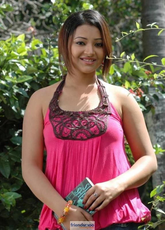 Swetha Basu Prasad Friendsmoo (6)