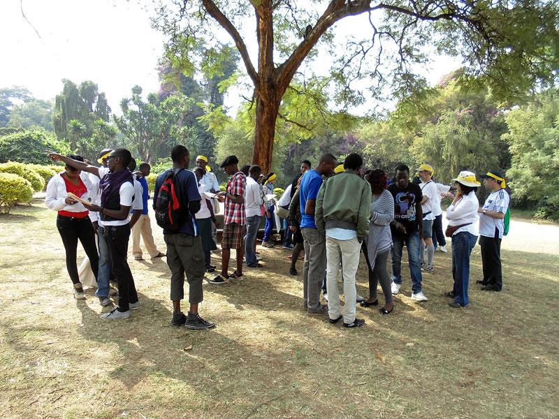 Getting organised at the DDD Kenya Treasure Hunt in July '13