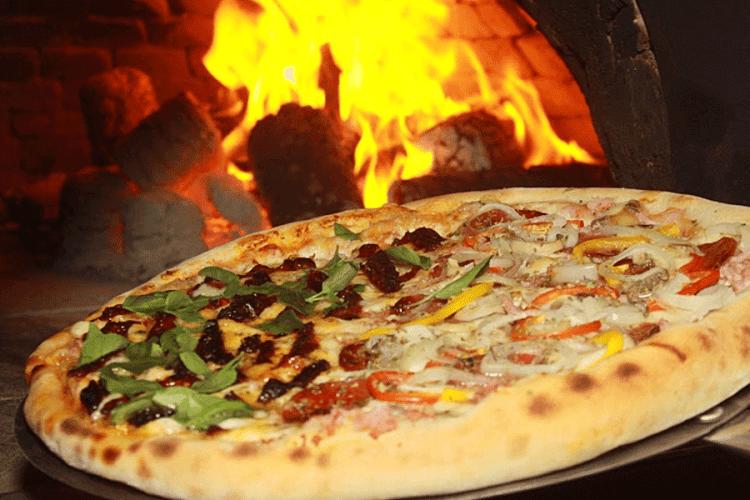 Delivery de pizzas na Pizza Mania Delivery.