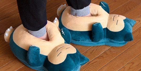Ya viste las zapatillas de andar por casa de Snorlax de Pokémon?