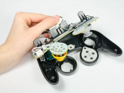 la-vibracion-del-control-ps4-esta-atrasada-frikigamers.com