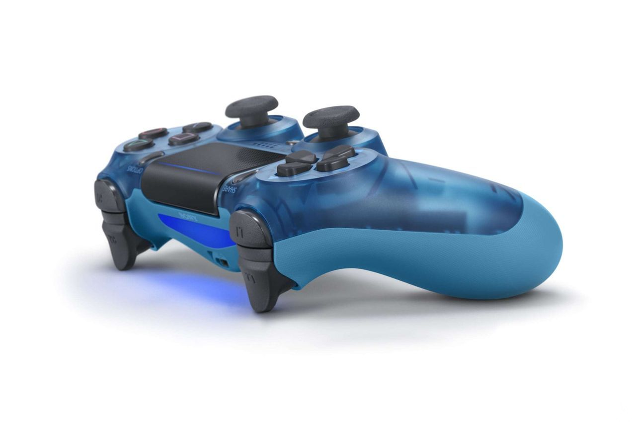 mira-los-nuevos-mandos1-playstation-4-frikigamers.com