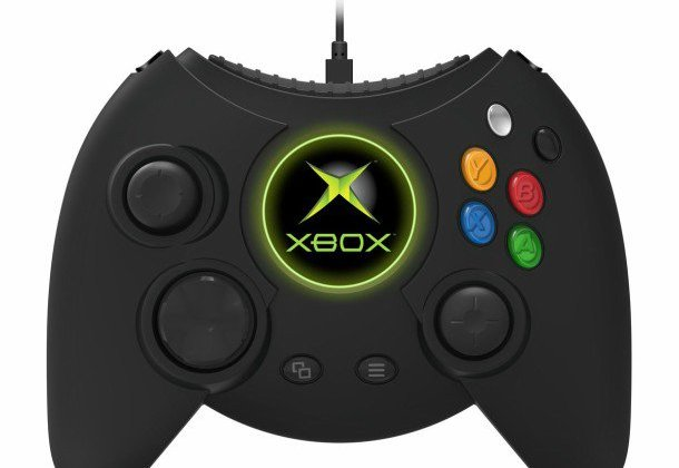 el-control-con-cable-duke-de-xbox-one-ya-esta-disponible-para-pedidos-anticipados-frikigamers.com.jpg