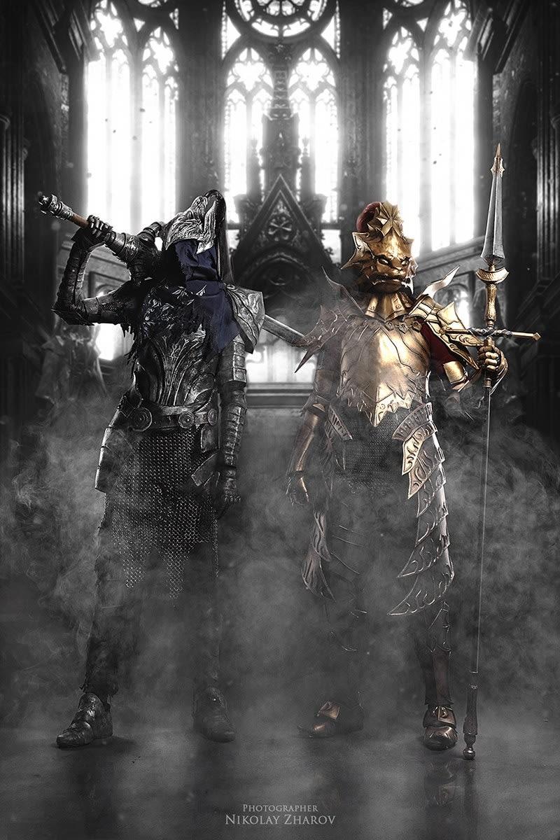 chequea-el-asombroso11-cosplay-de-dark-souls-frikigamers.com