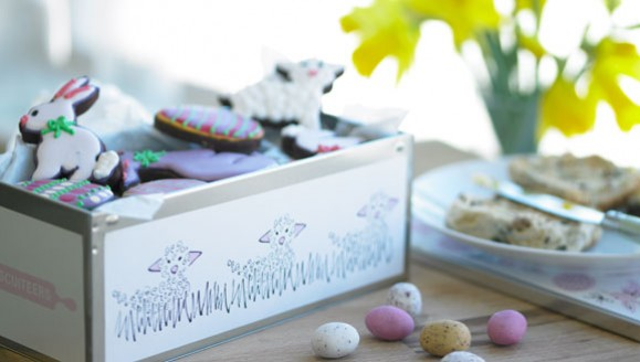 Biscuiteers Easter Family tin