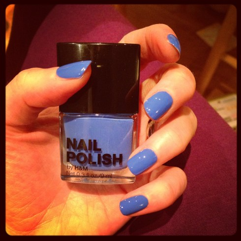 H&M cornflower blue nailvarnish