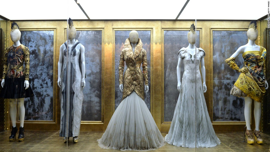 Savage Beauty – Alexander McQueen