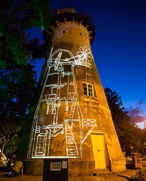 2015 Wind blisters those who try to run - Projection art onto landmark historical building