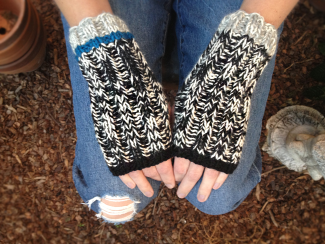 marl mitts fingerless gloves free knitting pattern