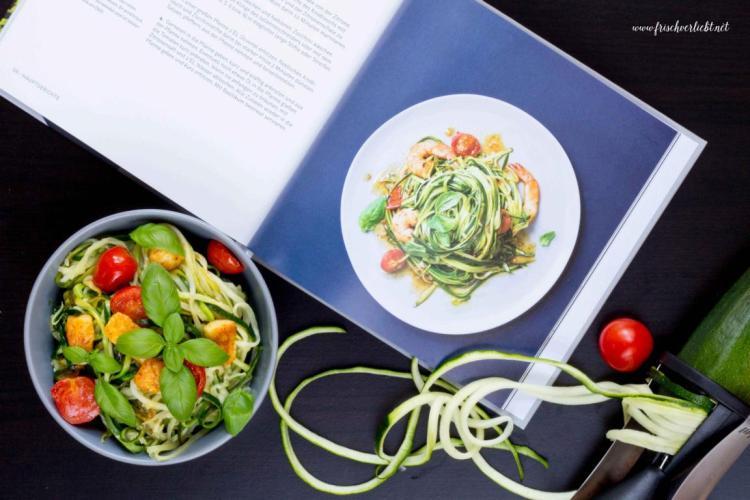 Gemüse_Spaghetti_Zoodles_mit_Halloumi_Frisch_Verliebt_5