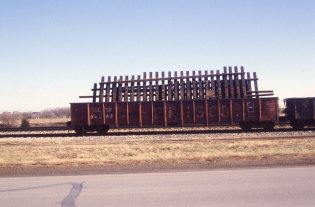 Gondola 64048 at Lenexa, Kansas on January 17, 1998 (R.R. Taylor)