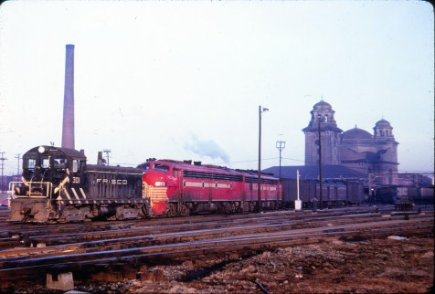 SW7 301 and E8A 2013 (Sea Biscuit) at Birmingham, Alabama on February 26, 1966 (J. David Ingles)