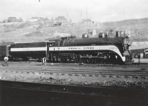 4-6-4 1069 at Kansas City, Missouri in October 1939