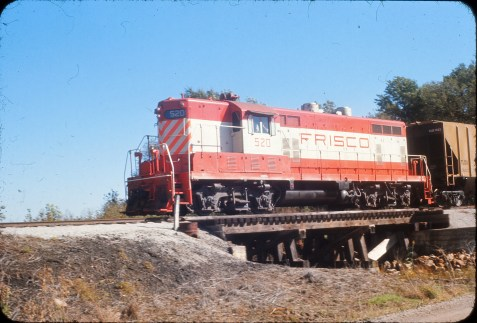 GP7 520 at McCune, Kansas in October 1967