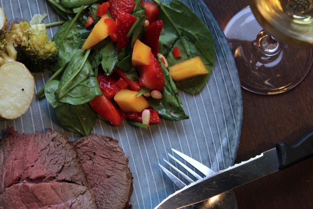 Jordbær mango salat