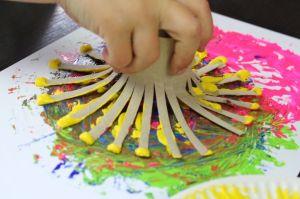 toiletrulle-maling, kreativ-leg, maling, sjov-med-børn, toiletrulle