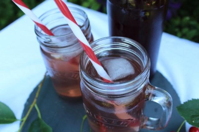 kirsebaersaft, kirsebaer, kirsebærsaft, saft, hjemmelavet-saft, opskrift, drikkevarer