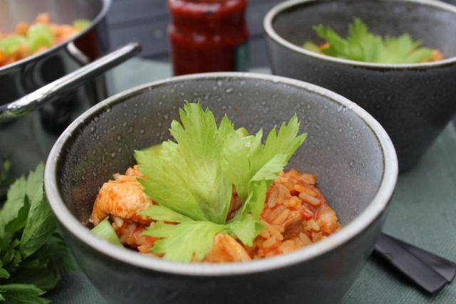 jambalaya, biksemad, sambal-oelek, parboiled-ris, bladselleri, kylling, chorizopølse, opskrift, hjemmelavet