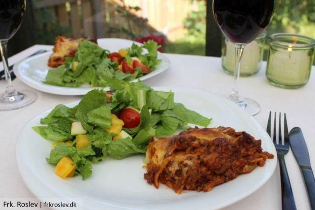 lasagne, hjemmelavet, livsstilsblog, opskrift, mornaysauce, hjemmelavet-mornaysauce, salat, lasagneplader