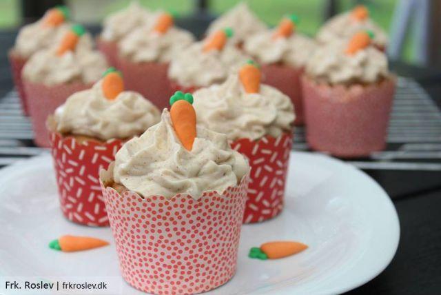 gulerodsmuffins, cream-cheese-frosting, frosting, efteraarskage, kage, opskrift