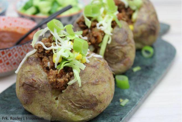 tacekartofler, aftensmad, nem-aftensmad, aftensmad-opskrift, bagekartofler, fyldte-kartofler
