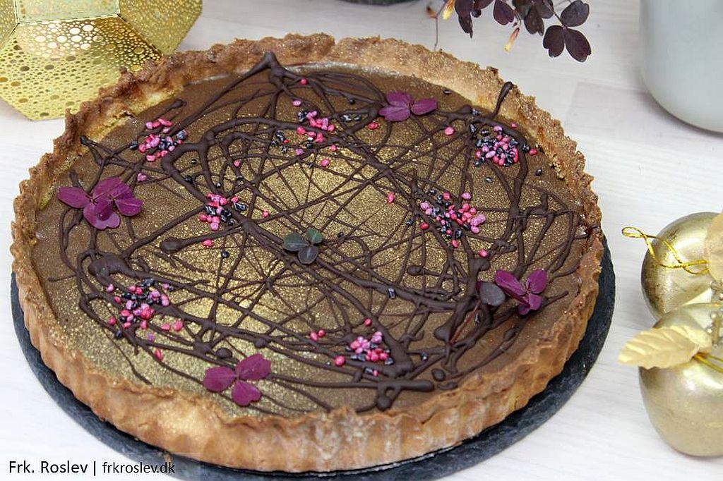 Konfekttærte med pistacie frangine og nougatovertræk