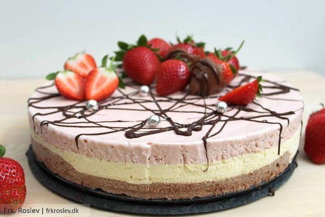 Regnbueis, trefarvet is, jordbæris, vaniljeis, chokoladeis
