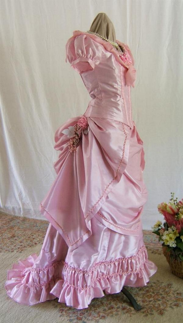 VICTORIAN BALL GOWN PINK FOR YOUNG LADY