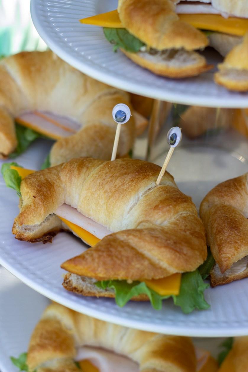 Croissant krabbe sandwich