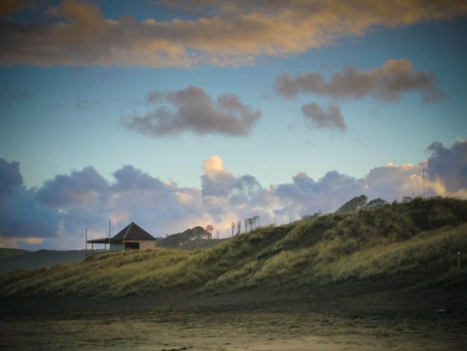 muriwai beach in the morning