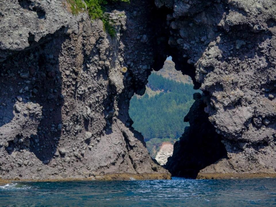 hole-in-rock-1100806