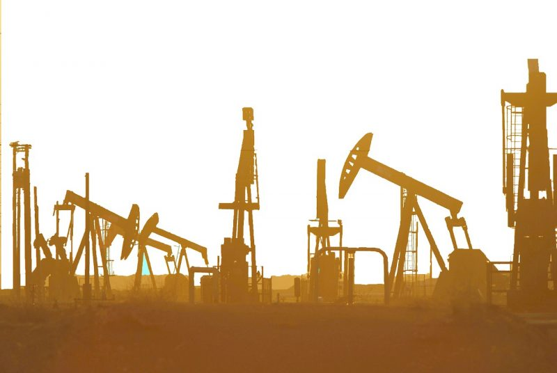 The Oil Prices on US Crude Stock Build