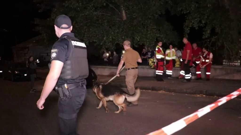 Террористы в центре Киева обстреляли «Містобуд» из гранатомета. (ВИДЕО)