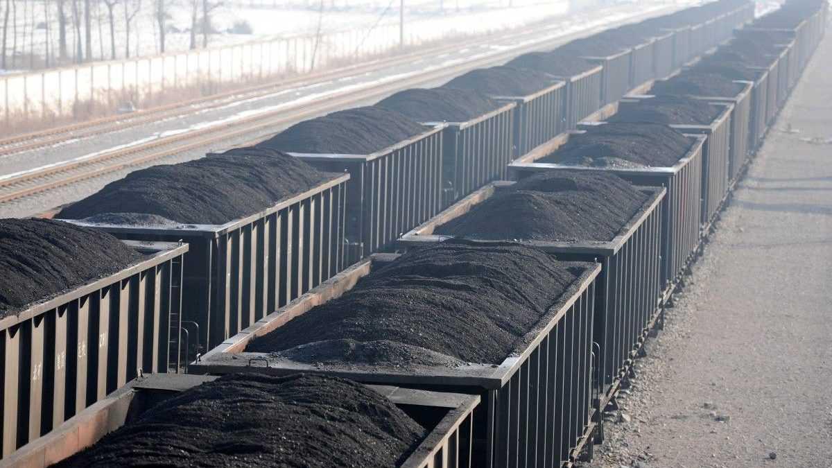 Поставки угля из РФ в Украину сократились на 85%: подробности