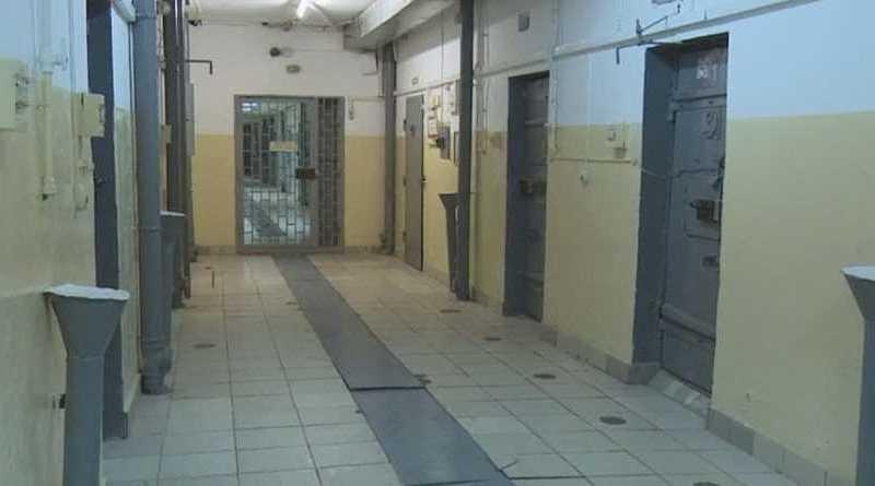 Вдобавок к эпидемии: у Зеленского решили выпустить заключенных из тюрем