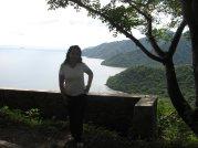 Berhenti sebentar untuk ambil gambar. Saya berada di perbatasan Bima dan Sumbawa. I love the scenery behind me.