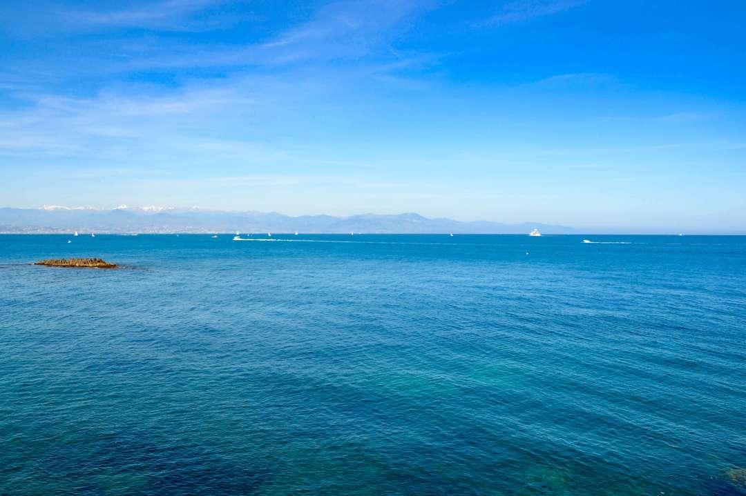 Bord de mer Antibes