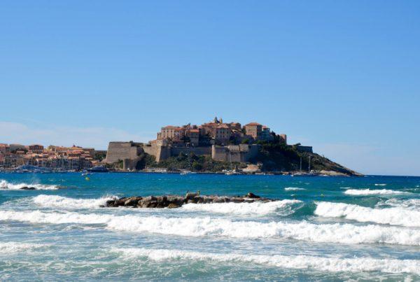citadelle-plage-calvi--e1488962624276