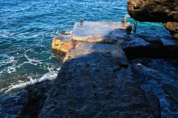 digue sentier du littoral cap d'antibes