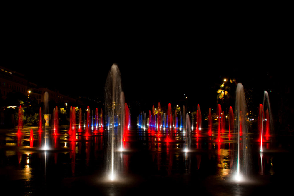 nice jet d'eau nuit