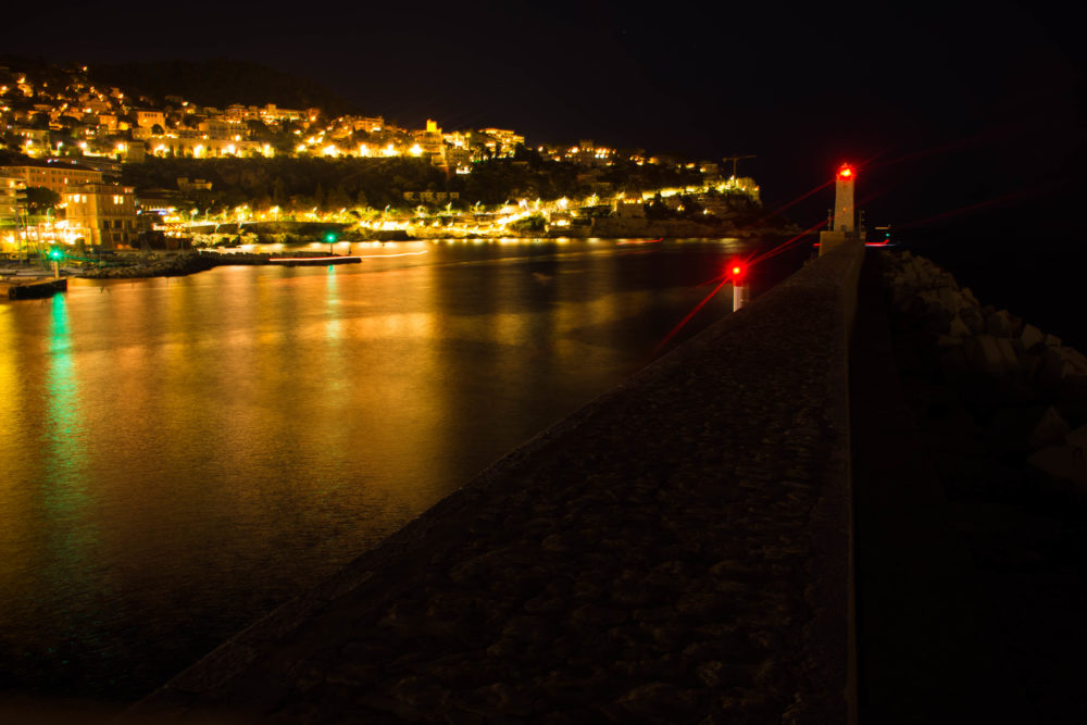 phare-nice-la-nuit-e1506327417751