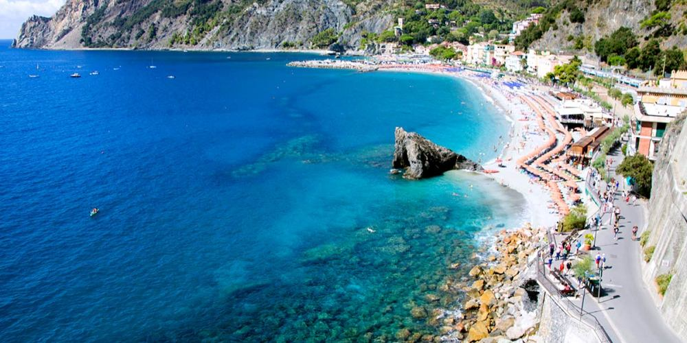 monterosso-al-mare-cinque-terre-village-italie-