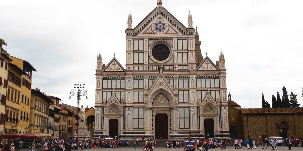 piazza-santa-croce-florence-italie