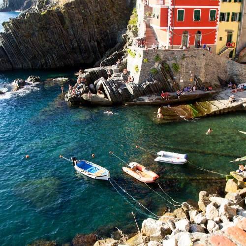 riomaggiore-port-cinque-terre-article-blog