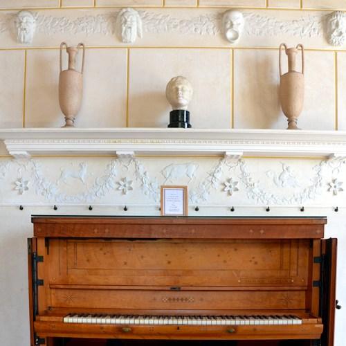 piano-villa-grecque-kerylos-beaulieu-sur-mer