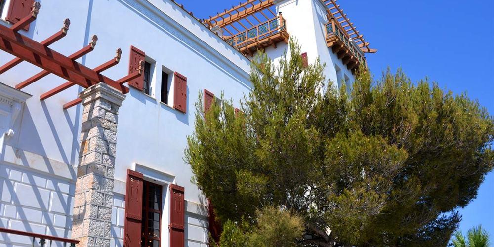 villa-grecque-kerylos-facade-blog-article
