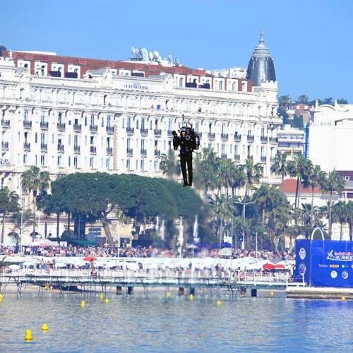 jet-pack-man-red-bull-air-race-cannes